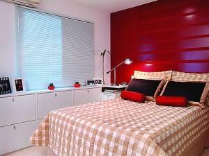 Quarto decorado vermelho