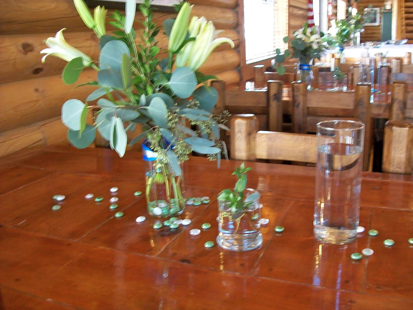 The jade flower for Fish centerpieces wedding receptions