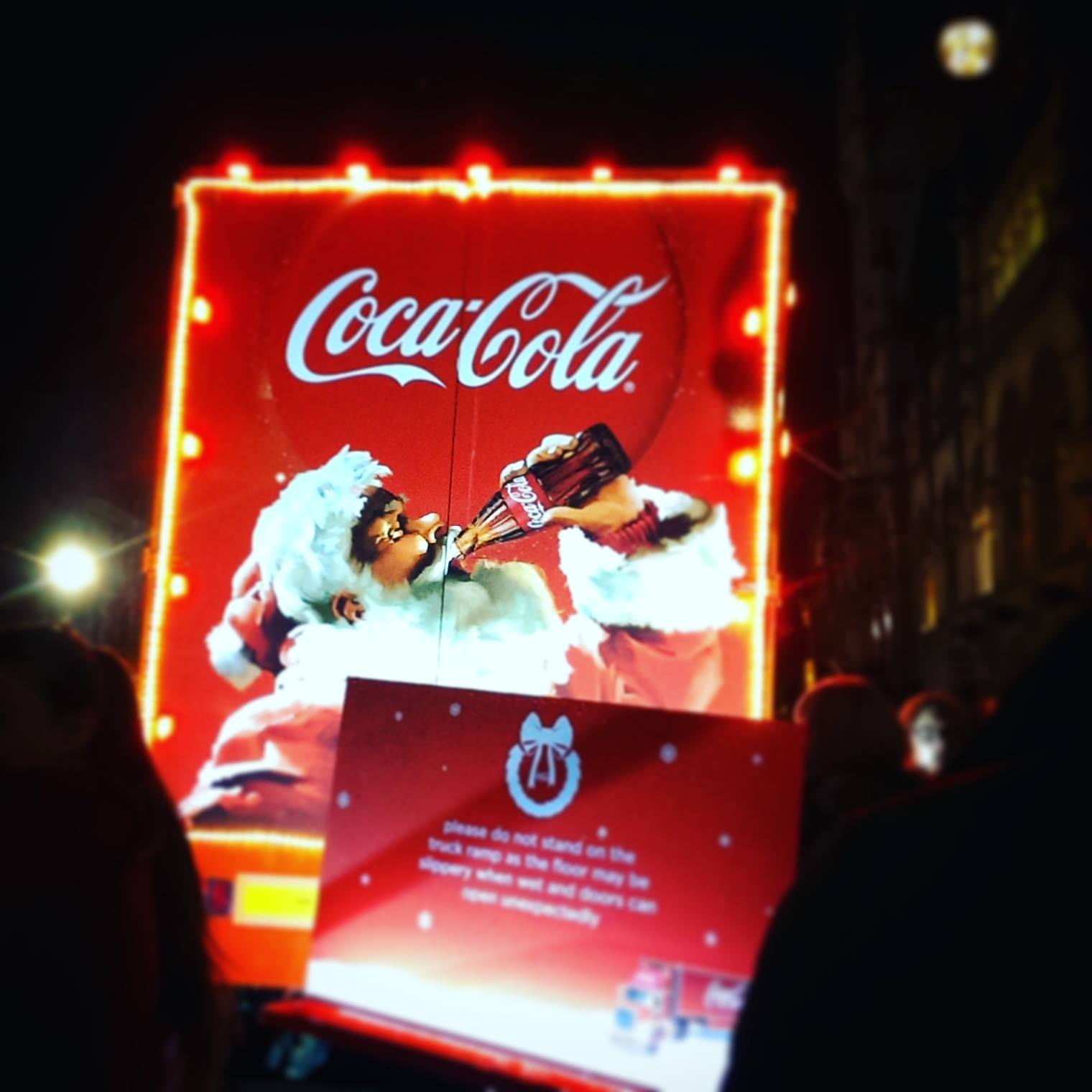 lebellelavie It's official, the holidays are coming with Coca-Cola!