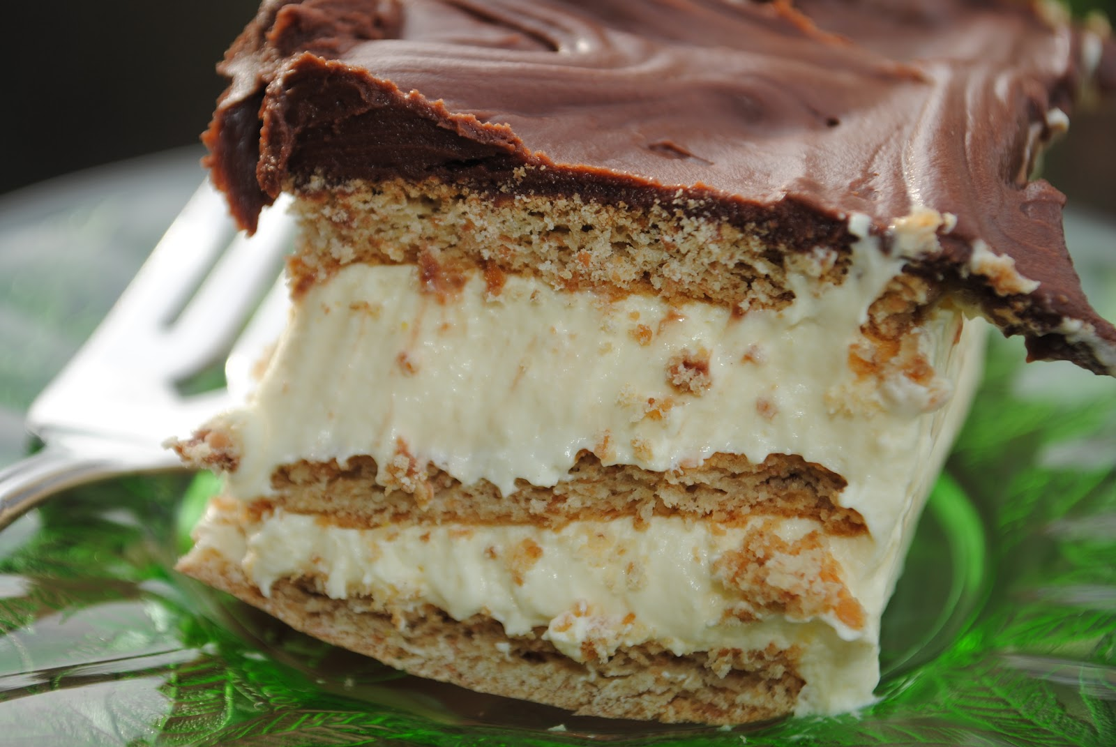 Chocolate Eclair Cake from www.shugarysweets.com