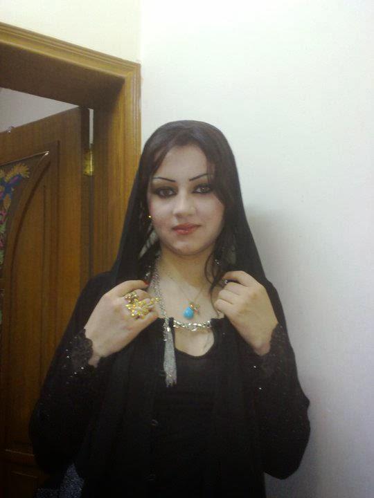 Girls Black #001 65157_39464903061222