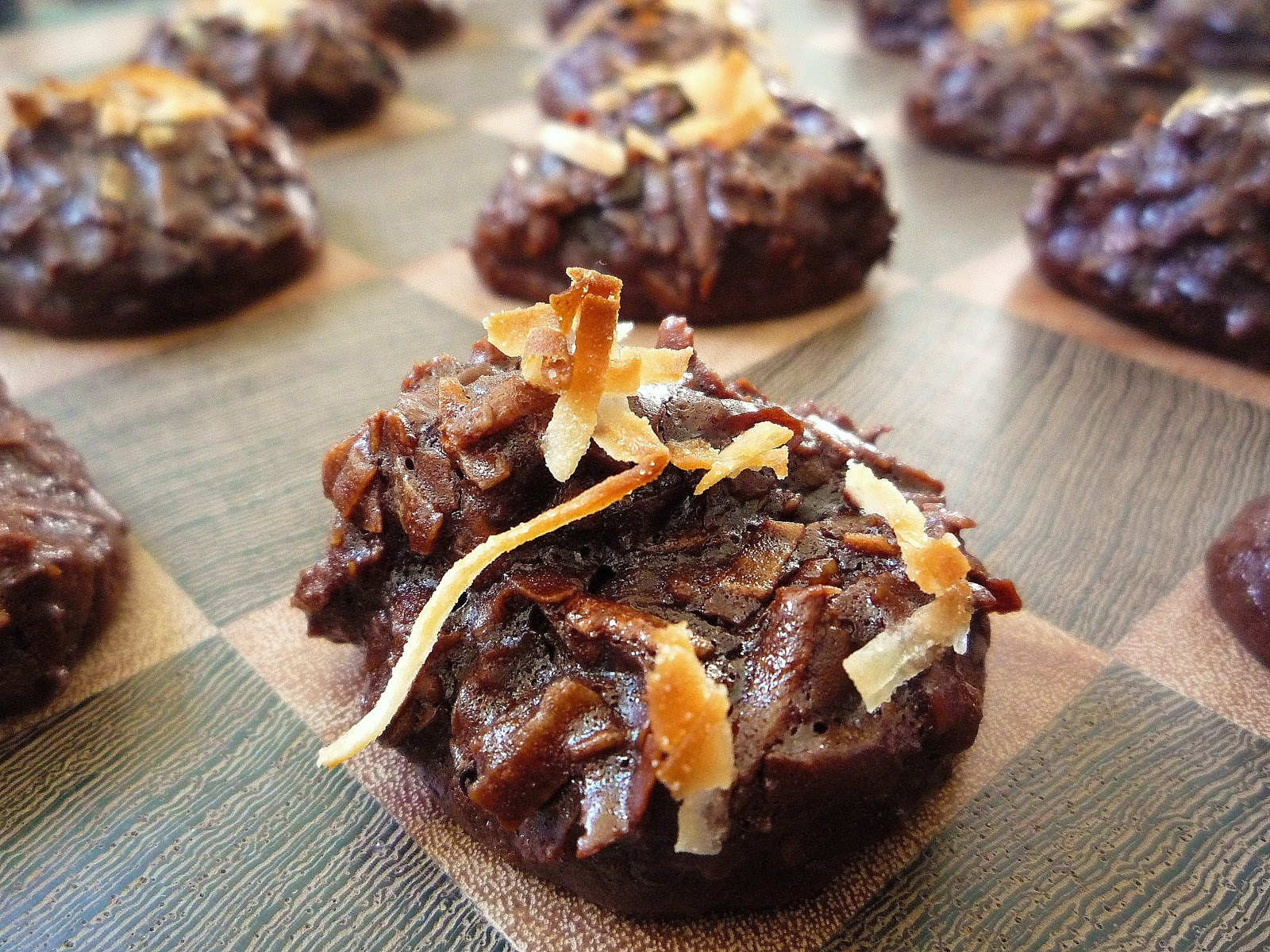 ... 12 Days of Cookies: Day the Eighth(Chocolate Cherry Coconut Macaroons