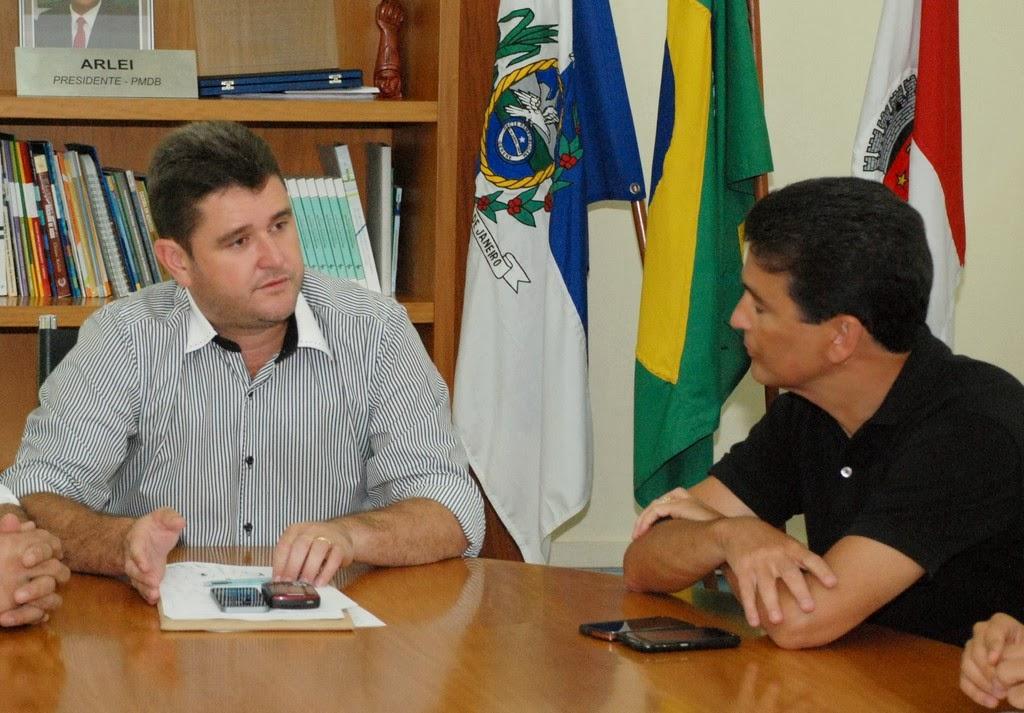 Durante o encontro, prefeito Arlei e deputado Bebeto conversaram sobre a vinda da Seleção Brasileira à Teresópolis