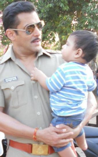 Salman Khan on location photo shoot with child