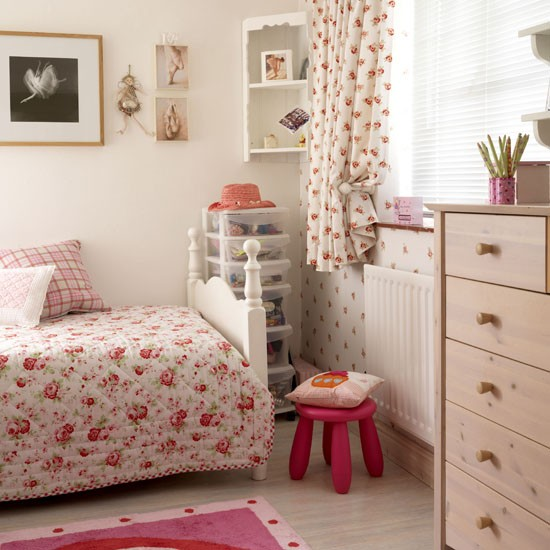 girls bedroom decorating ideas pretty floral scheme girls