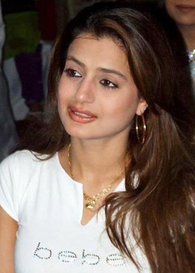 Amisha Patel Cute Picture Ester Noronha Blog