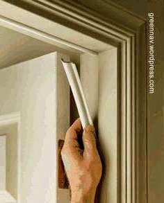 Burlete aplicado a una puerta