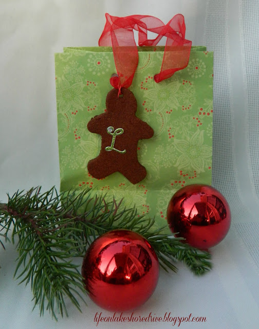 Decorating with cinnamon applesauce ornaments