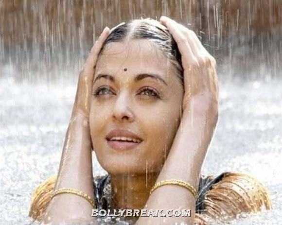 Aishwarya in Guru - (4) - Village Girls of bollywood