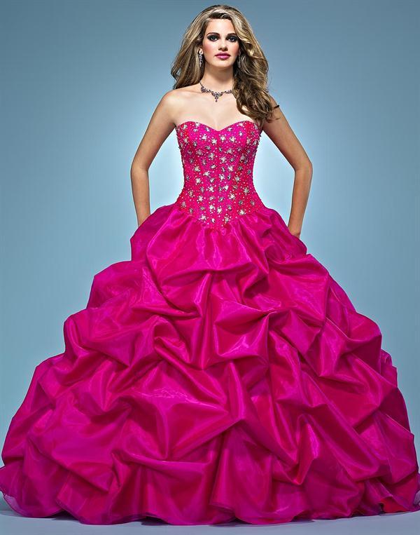 Vestido de 15 años - Color Rojo o Lápiz Labial : Vestidos para tu Fiesta