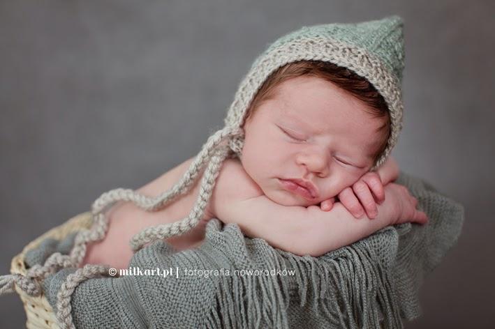 Fotografia noworodków, zdjęcia noworodkowe, sesje zdjęciowe niemowląt, studio fotografii dziecięcej, artystyczne sesje zdjęciowe