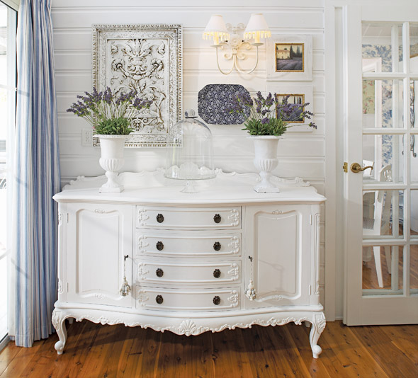 The Country Cottage Style For Home Inspiration By Kimberly: BOISERIE & C.: Be Inspired By Cottage Style