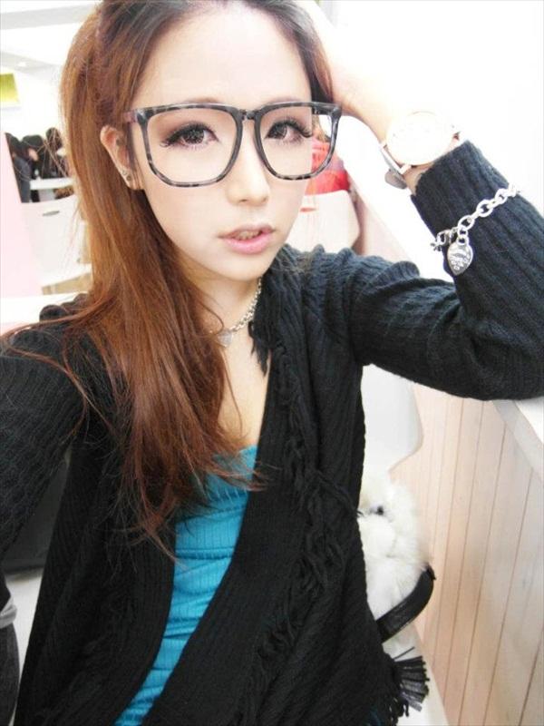 Mặt xinh – Da Trắng – Vú Bự chính là em Nikki Wang