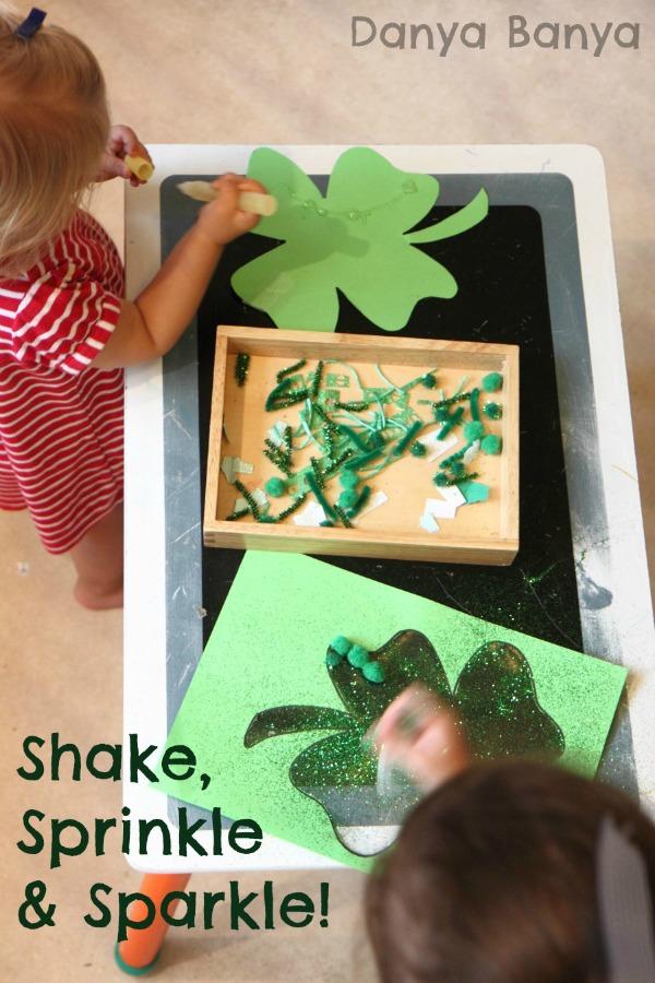 http://www.danyabanya.com/2014/02/st-patricks-day-four-leaf-clover-craft.html