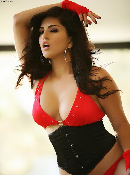 actress sunny leone 1 Sunny Leone photo sexywomanpics.com