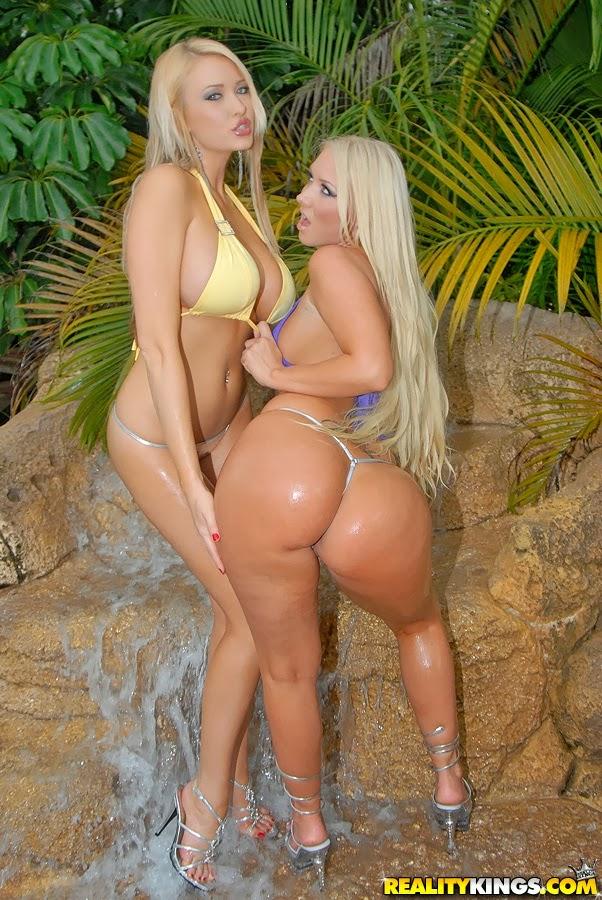Красивые жопастые голые девушки фото