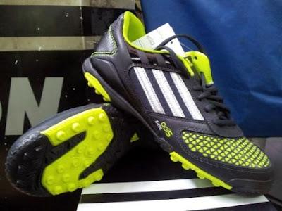 Sirhan Sepatu Futsal