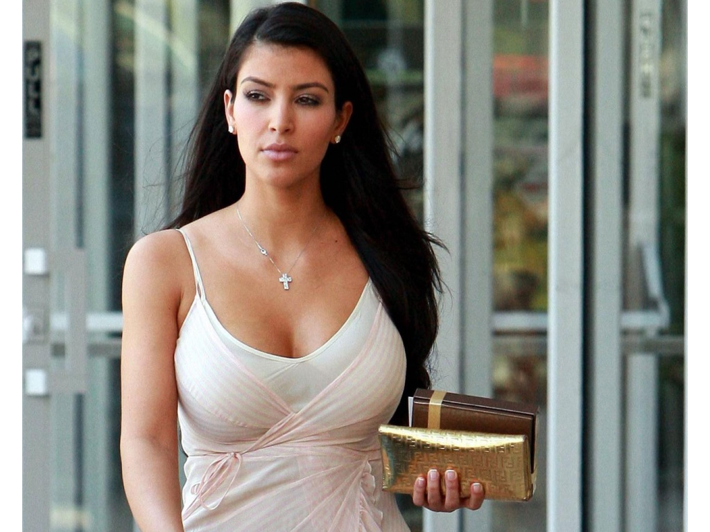 Kim Kardashian HD Wallpapers 1080p