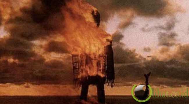 Dibakar Hidup-Hidup, Bangsa Romawi