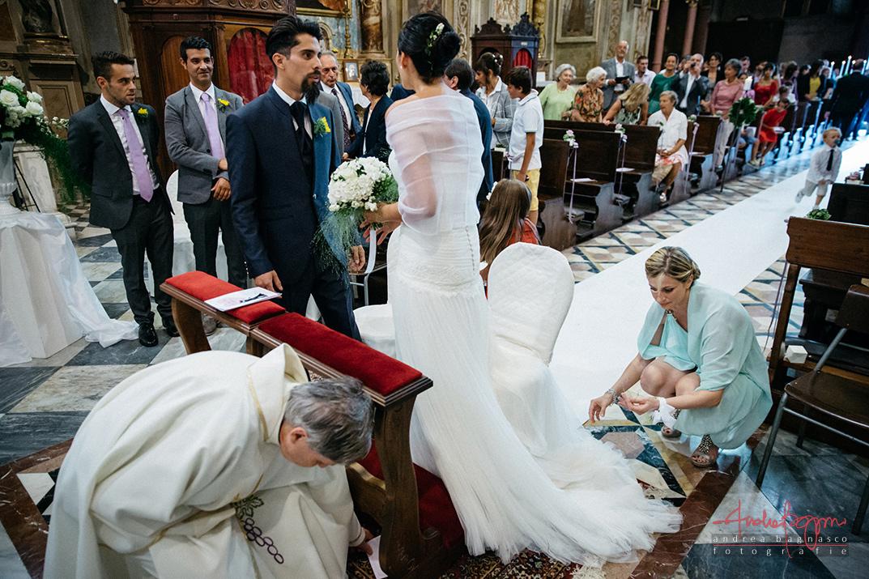 sposi altare matrimonio