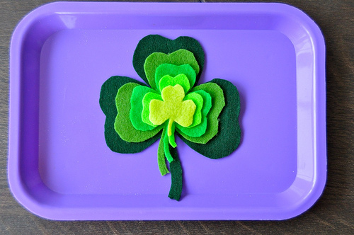 http://sortingsprinkles.blogspot.com/2013/03/st-patricks-day-for-preschoolers-part-2.html