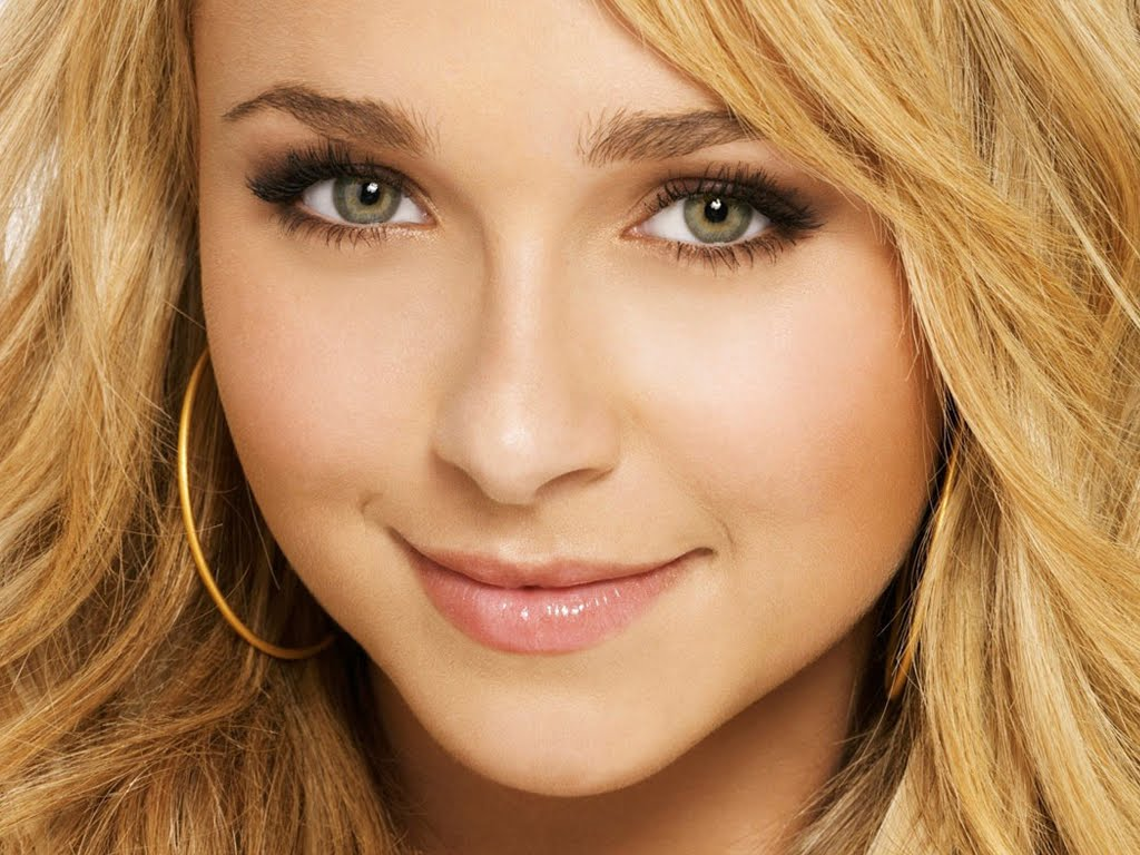 Hollywood young female celebrities