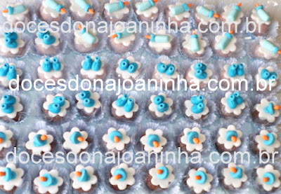 Docinhos decorados para Chá de Bebe com mamadeira, sapatinho e chupeta