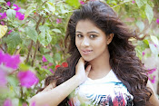 Manali Rathod latest glam pics-thumbnail-2