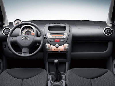 2012 Toyota Aygo Interior and Dashboard