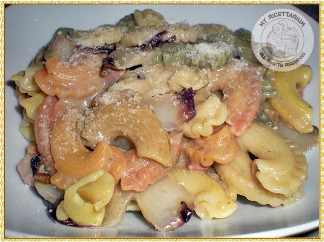 Pasta con radicchio e crema di funghi porcini