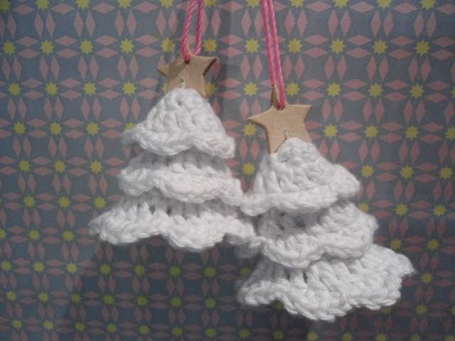 Opskrift på små hæklede juletræer