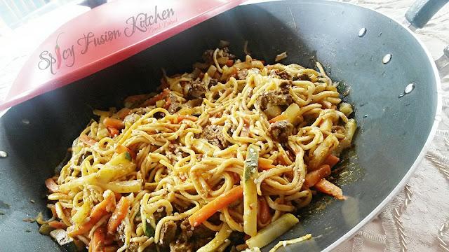 stirfry, chicken stirfry, steak stirfry, noodles, spicy food, spicy, chicken, steak, food blog, Asian fusion