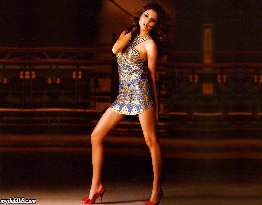 Anushka Sharma Hot Wallpaper