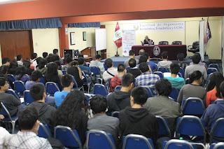 Realizaron charla sobre la evolución histórica de la república peruana