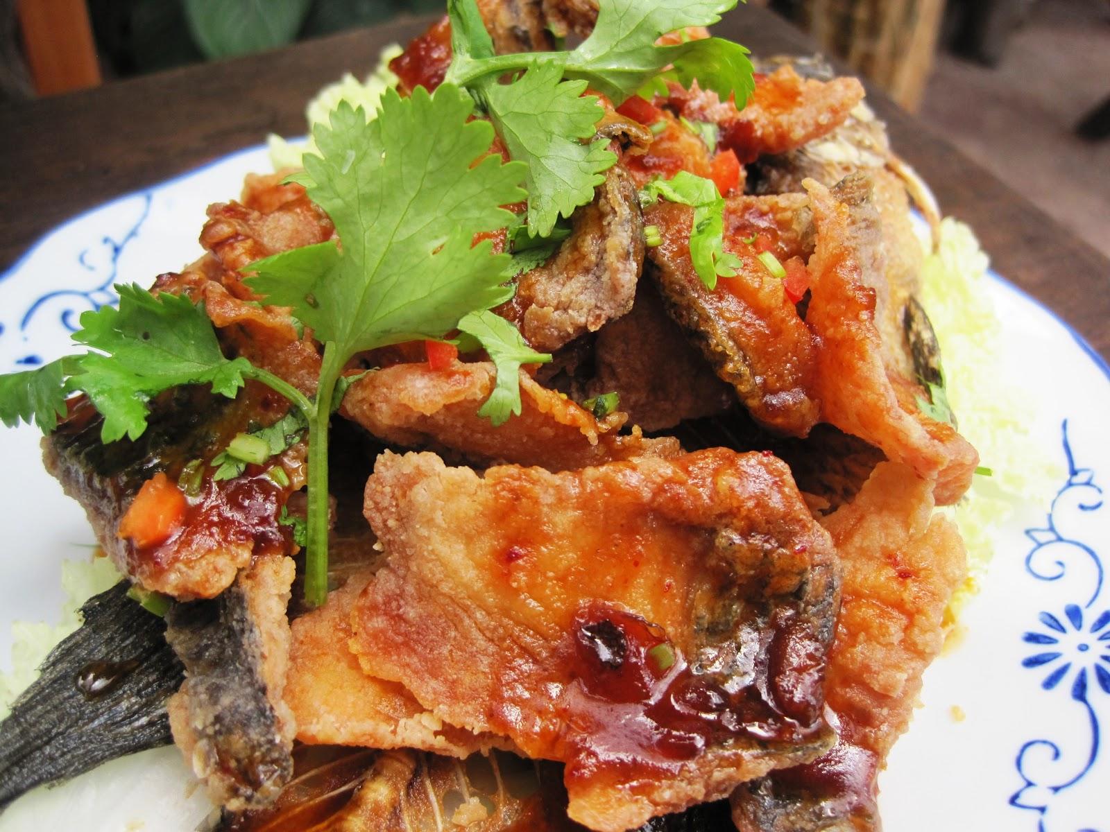 Deep fried tilapia with tamarind sauce
