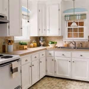 Pastikan tentang letakan jendela dapur mampu memberikan ruang yang cukup luas untuk masuknya cahaya.