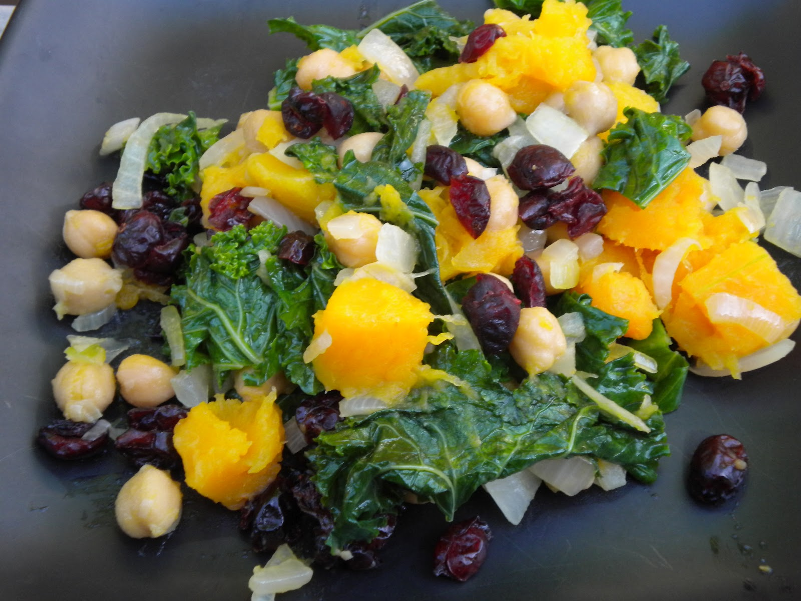 Summy's Yummies: Ginger-Lemon Kale with Squash and Chickpeas