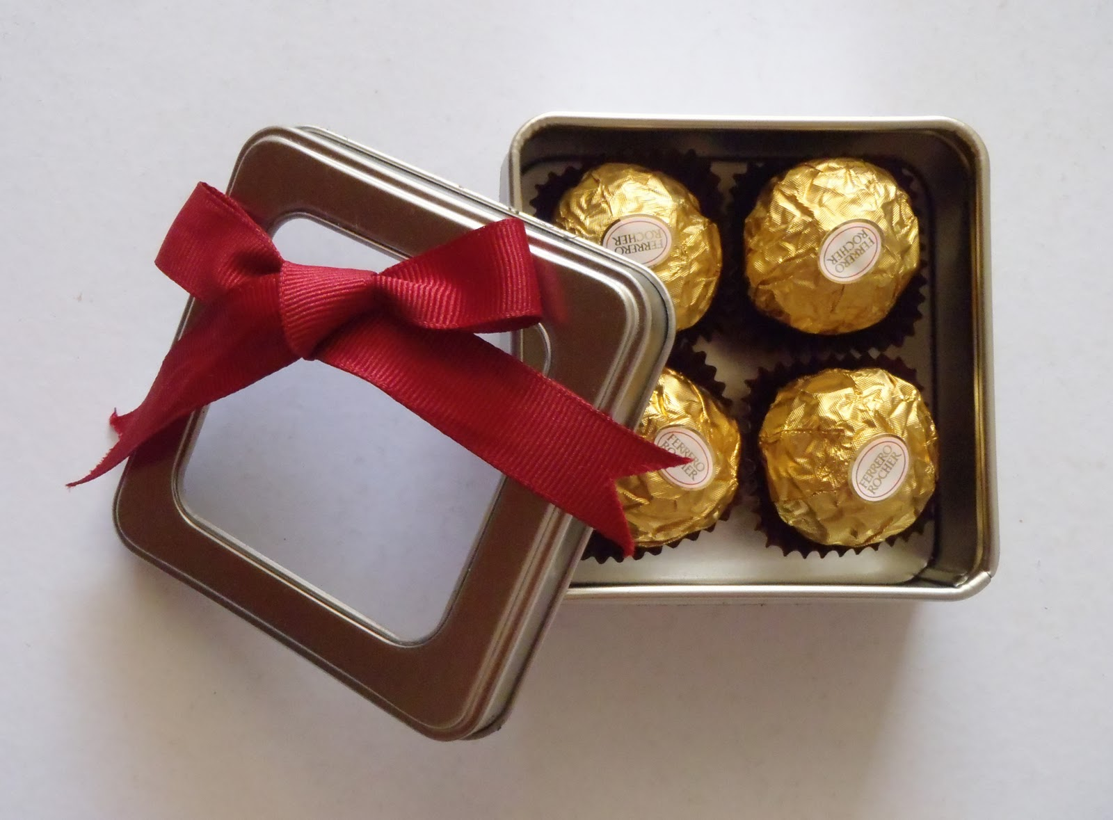 Chocolate For Wedding Door Gift : Door Gifts & As The Days Go By People Started To Change The Trend And ...