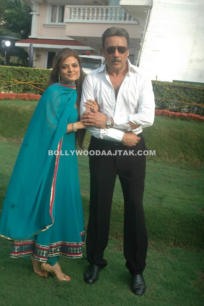 Sheeba  - Sheeba with Jackie At Neil Ko Pakadna on location Stills