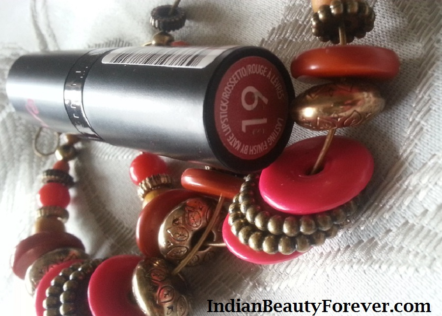 Rimmel London Kate Moss Lipstick no 19 Review