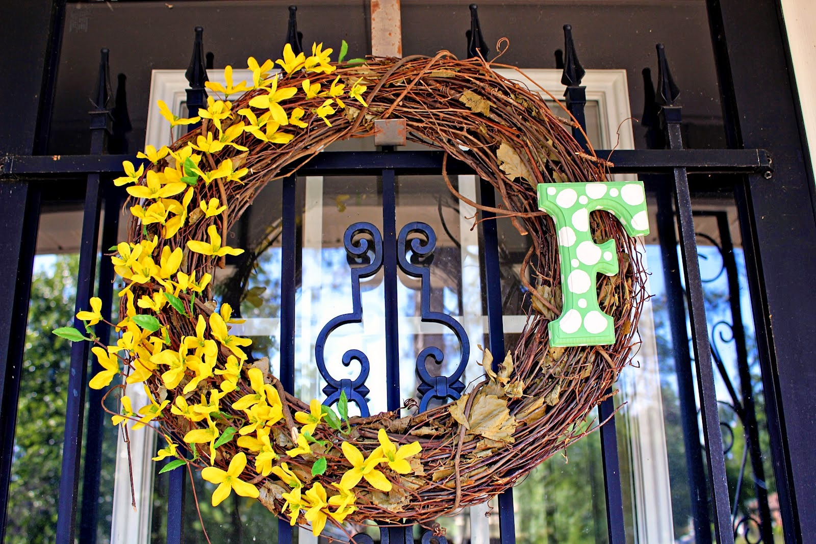 The Diy Spring Wreaths For Your Front Door Ety