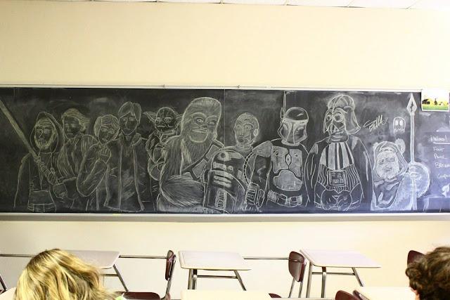 FanArt de Star Wars en plena pizarra de clase