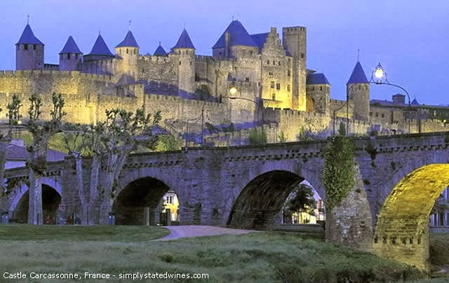 CASTLE CARCASSONNE - LANGUEDOC-ROUSSILLON - FRANCE