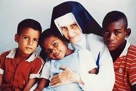 Bem-aventurada Irmã DULCE dos POBRES, rogai por nós!