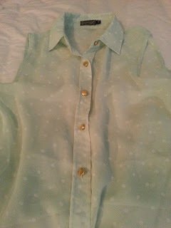 pale-green-polkadot-summer-blouse