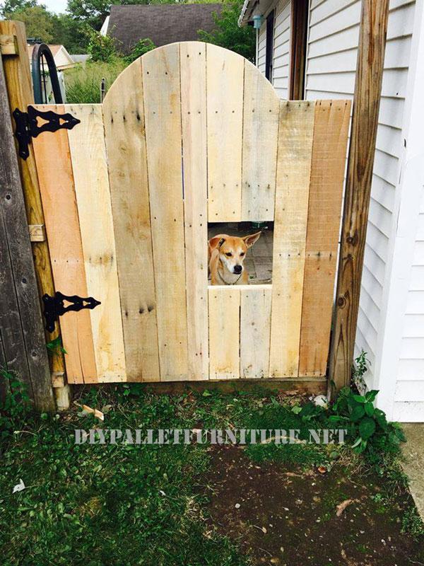 Puerta para sectorizar un jard n for Como hacer una valla con palets