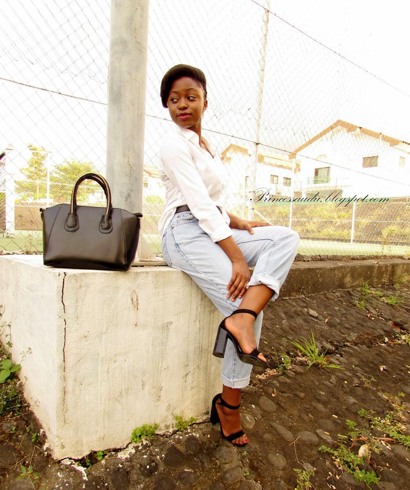 wardrobe basics, white shirt, boyfriend jeans, thrift store, vintage, block heels