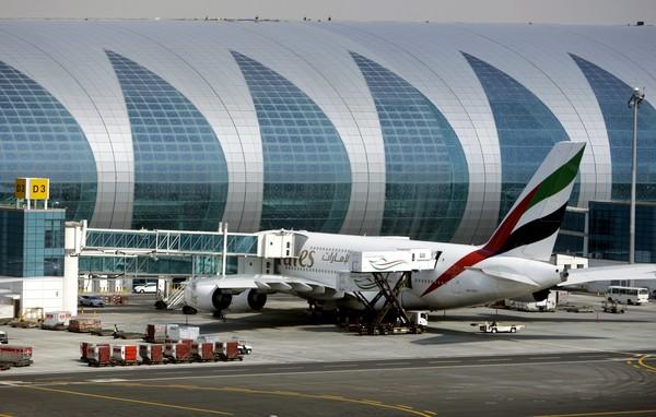 SEBUAH pesawat Airbus A380 milik syarikat Emirates diletakkan di lapangan terbang khas itu kelmarin.
