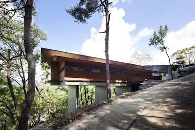 Rumah Panggung Ala Jepang 2