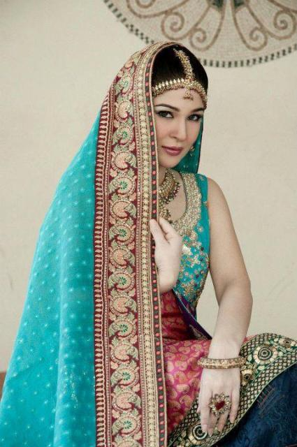 Ayesha omer in bridal jewelery sets